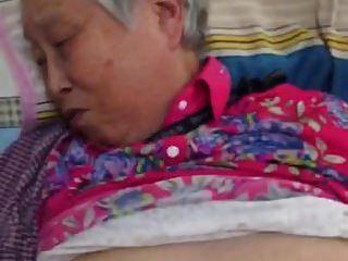muy agradable abuelita china follando