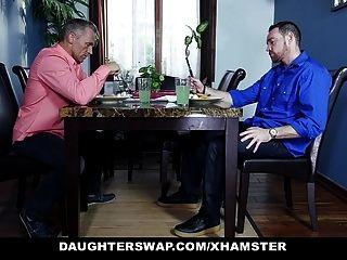 daughterswap dos hijas adolescentes intercambian y follan a sus papás