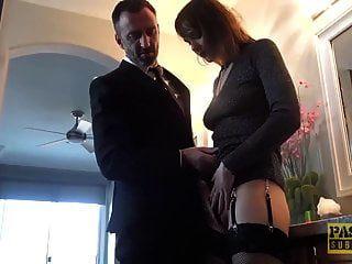 puta inglesa de lujo embestida en el coño y la boca
