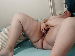 bbw se masturba hasta el orgasmo