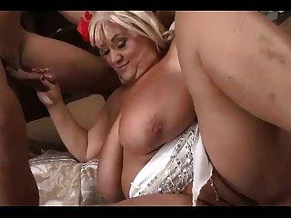 agradable bbw abuelita con gran culo y tetas folla