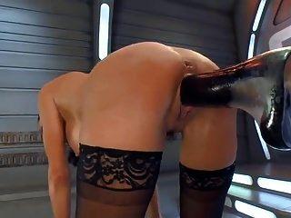 Squirting orgasm en una máquina de mierda
