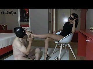 humillación fetichista de pies