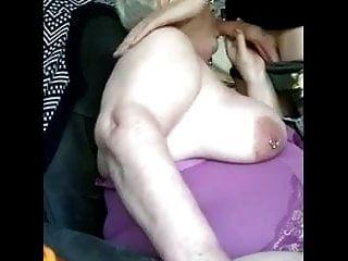 gallo joven para la abuela gorda
