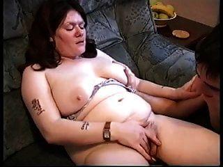 esposo casero de Inglaterra filma esposa con otro chico