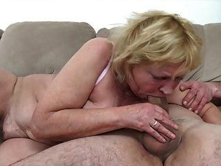 60+ abuelita folla con loverboy más joven