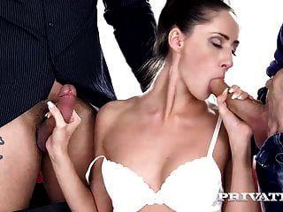 private.com la criada en threeway anal