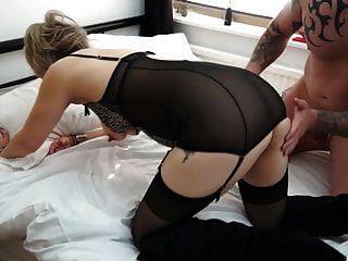 Sexo tabú con mamá hambrienta e hijo afortunado