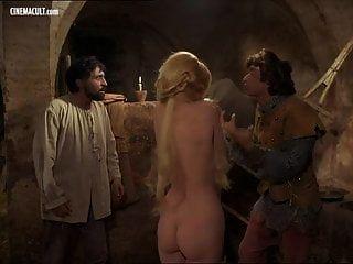 celebridades desnudas lo mejor de barbara bouchet