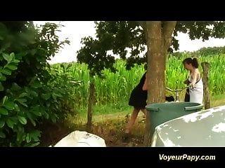 Voyeur papy buscando Orgias en la naturaleza