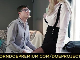 Kinky tutor rubia milf folla estudiante cachonda