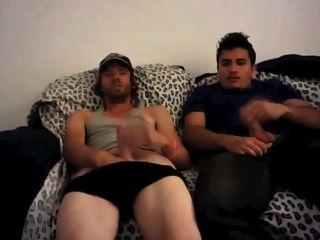 Masturbandose juntos viendo porno hd Pareja Viendo Porno Juntos Xchica Com